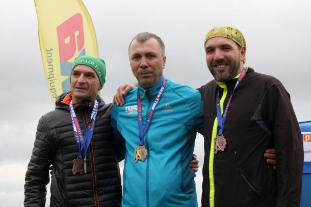 Najlepsi zawodnicy Puchacz Uphill na pompowanych kołach, od lewej: Krzysztof Kapitan, Jan Łacek, Wojchech Wahlig