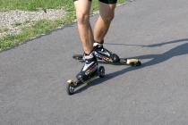 Kurs techniki łyżwowej na nartorolkach - hamowanie i skręcanie