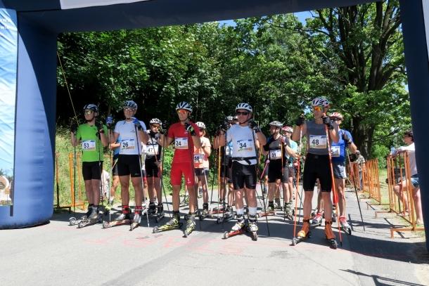 Osiem teamów rywalizuje w cyklu Vexa Skiroll Tour, który wygra?