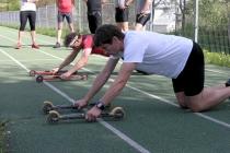 Nartorolki jako przyrząd w ćwiczeniach wzmacniających mięśnie całego ciała [FILM]