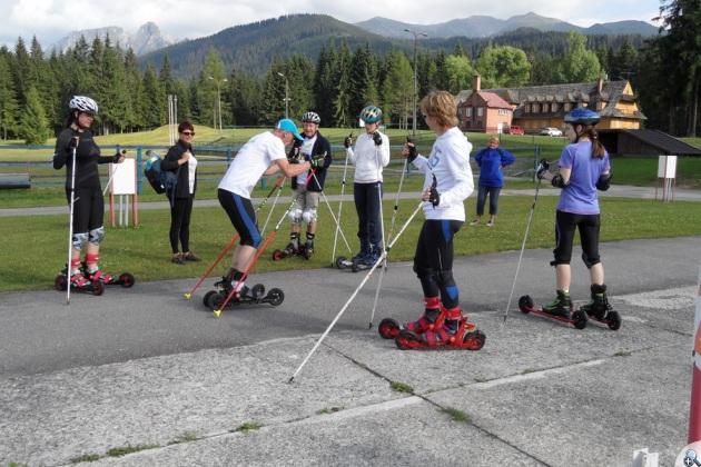 W trakcie szkoleń uczestnicy uczyli się wszystkich kroków techniki łyżwowej