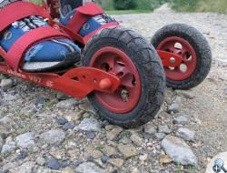 Na rolkach Skike V07 można jeździć nie tylko po asfalcie.