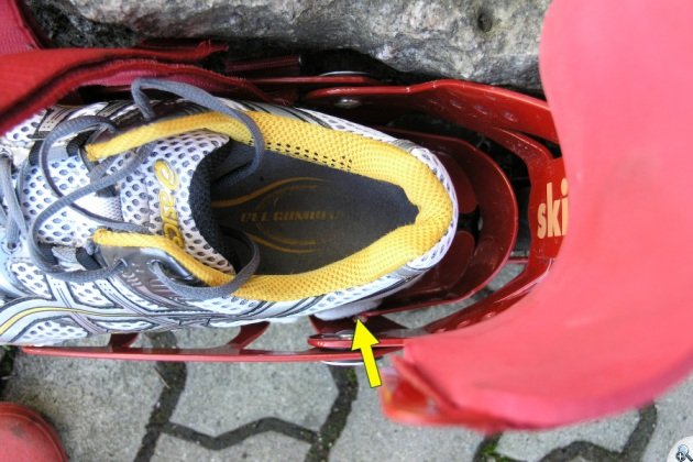 Większość butów testującego miała problemy ze zmieszczeniem się w rolce.