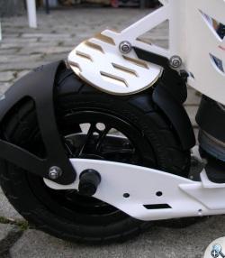 Opatentowany system sprawnych hamulców to duża zaleta rolek Skike VX.