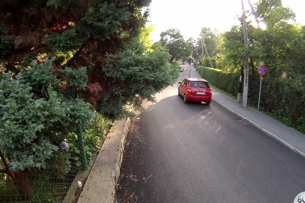 Samochody na części otwartej dla ruchu